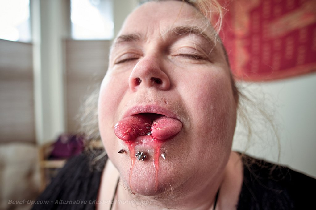Split Tongue!